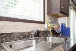 95PLH28523AH_Kitchen-Sink_01